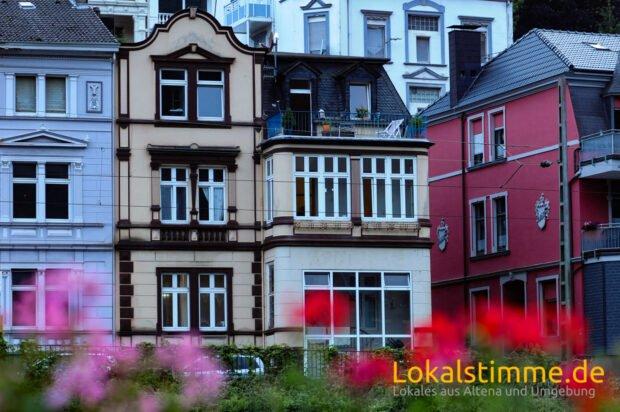 Soll in die Denkmalliste der Stadt eingetragen werden: das Haus Lüdenscheider Straße 8. Foto: Carsten Menzel